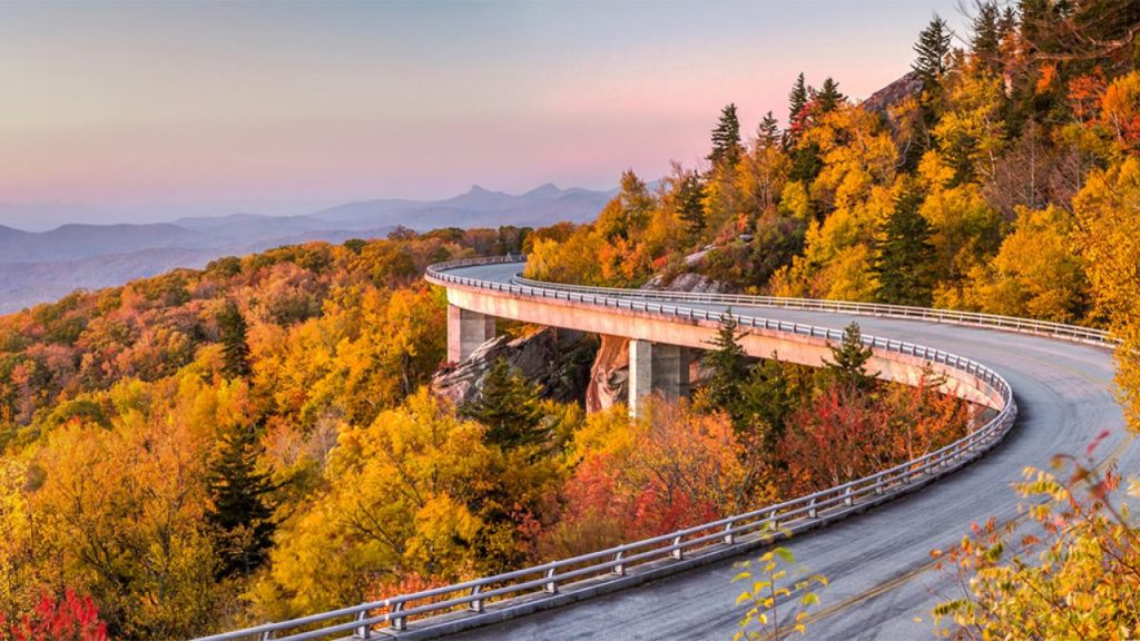 Drive Through the Blue Ridge Parkway